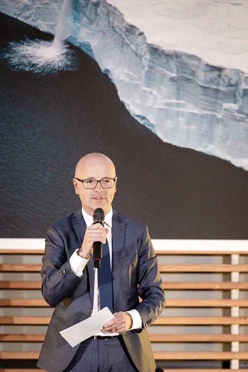 Meteorologist and TV host Karsten Schwanke, moderator of the evening // ©michaelbennett.de / maribus