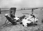 9.2 >  Europe did not rediscover the benefits of the sea until the late 19th century. People living inland began to travel to the coast for rest and recuperation – as here on the East Frisian island of Norderney, off the North Sea coast of Germany. ©Haeckel/Ullstein Bild