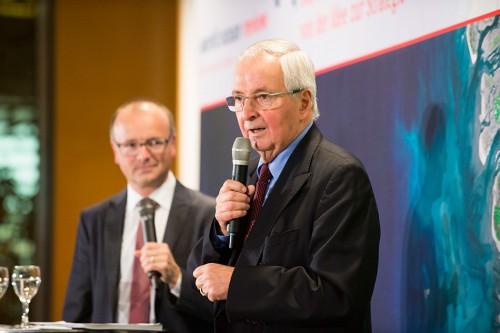v.l.: Karsten Schwanke, Meteorologe und Fernsehmoderator, und Prof. Dr. Klaus Töpfer, ehemaliger Exekutivdirektor des Institute for Advanced Sustainability Studies (IASS), Potsdam