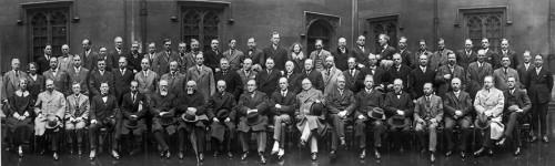 3.1 > Ehrwürdige Herren der Fischereiwissenschaft: 1929 trafen sich die Fischereiforscher des ICES zu ihrer satzungsgemäßen Versammlung im House of Lords in London. Im Jahr der Gründung 1902 gehörten dem ICES 8 Länder an. Heute sind es 20. © ICES 2012