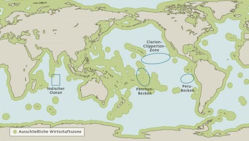 Abb. 2.12 > Manganknollen kommen in allen Meeren vor. Doch nur in 4 Gebieten ist die Manganknollendichte groß genug für einen industriellen Abbau. © nach Hein et al.