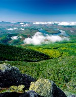 Abb. 1.3: Bereits 1892 erklärten US-Behörden den waldreichen Adirondack Park im US-Bundesstaat New York zum Nationalpark. Mit einer Fläche von 24000 Quadratkilometern ist er fast so groß wie die Insel Sizilien. © Massimo Ripani/SIME/Schapowalow