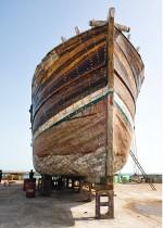 Abb. 2.10: Die iranischen Lenj-Holzboote wurden früher am Persischen Golf für den Handel, das Perlentauchen oder die Fischerei genutzt. Die UNESCO will die Tradition des Lenj-Bootsbaus erhalten. ©Behrooz Sangani