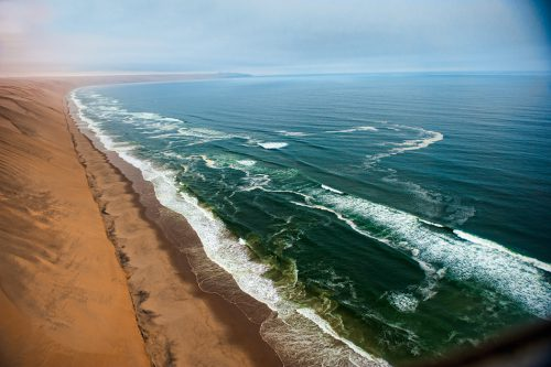 fig. 1.17: In Namibia the dunes of the Namib Desert run parallel to the Atlantic coast. © marziafra/fotolia.com