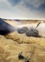 Abb. 2.16: Vor allem an der Westküste Afrikas wie hier in der Westsahara oder auch in Marokko wird Sand in Küstennähe im großen Stil abgebaut. Dieser wird weltweit exportiert und unter anderem als Bausand verwendet. © Veronique de Viguerie/Getty Images