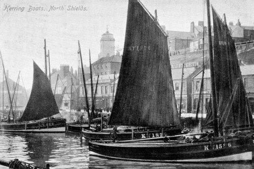 Abb. 2.42: Die englische Hafenstadt North Shields im Jahr 1904. Zu Beginn des 20.Jahrhunderts wurde der Fischfang in der Nordsee meist noch mit Segelbooten betrieben. © Summerhill Books